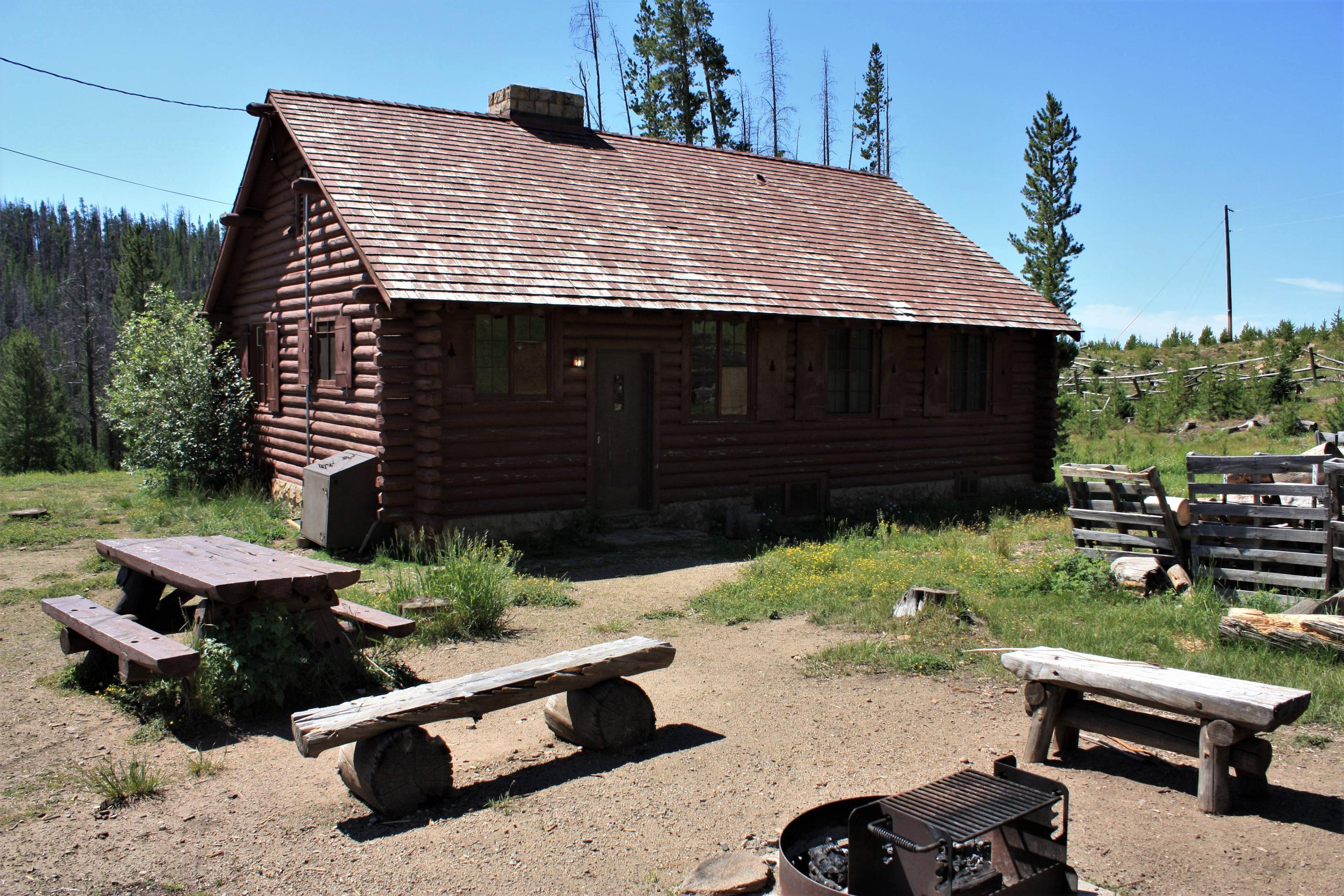Keystone Ranger Station back entrance, picnic area, and fire pit