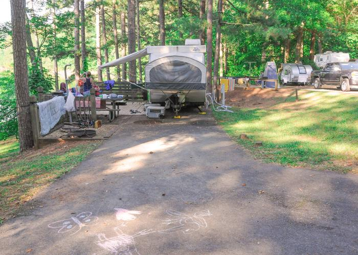 Utilities-side clearance, awning-side clearance, driveway slope.Upper Stamp Creek Campground, campsite 9.