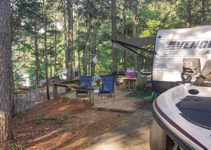 Awning-side clearance, campsite view.Upper Stamp Creek Campground, campsite 17