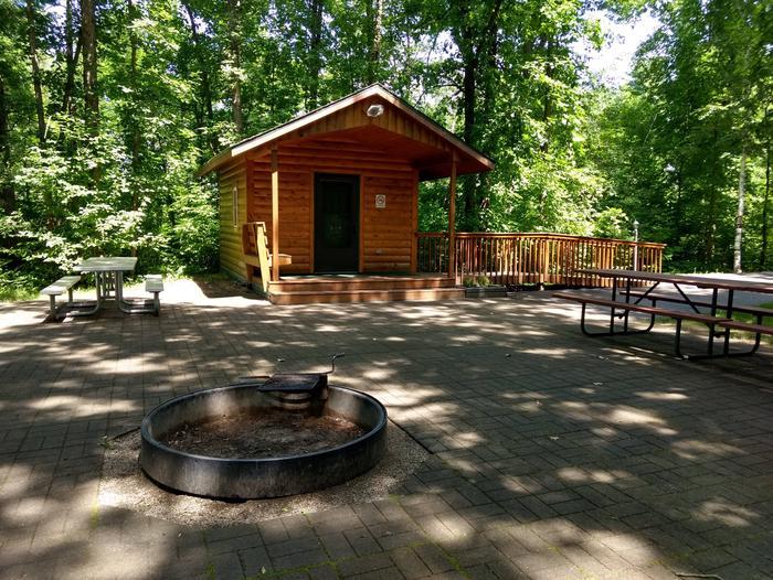 Sandy Lake - Camper CabinSandy Lake Camper Cabin