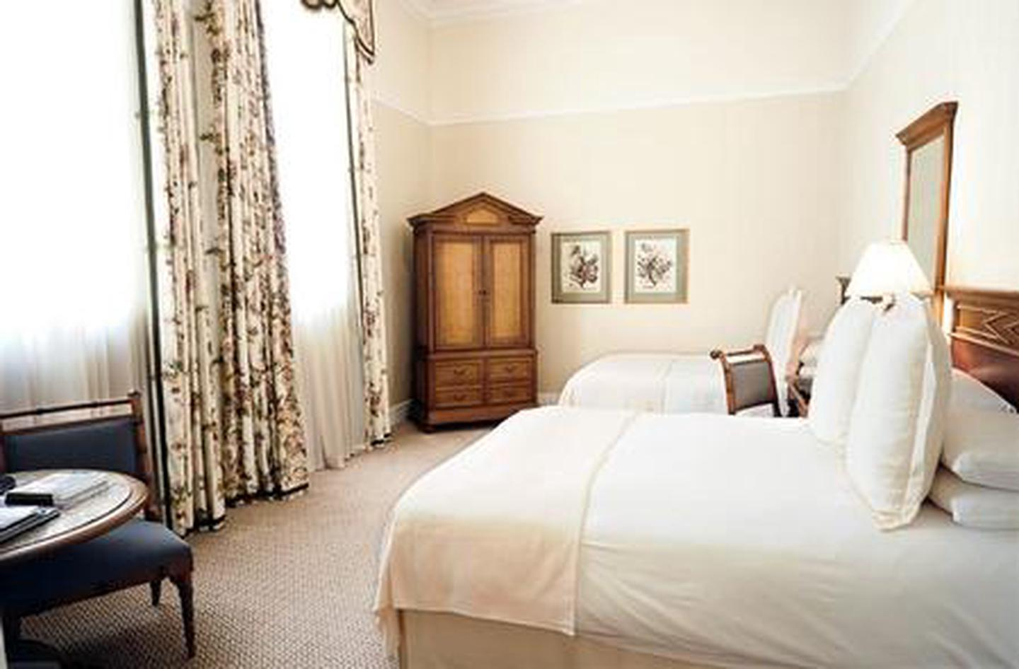 Charming RoomsThe Capital Hotel boasts 94 heritage accommodations including 15 Capital Great Rooms and four luxury suites.