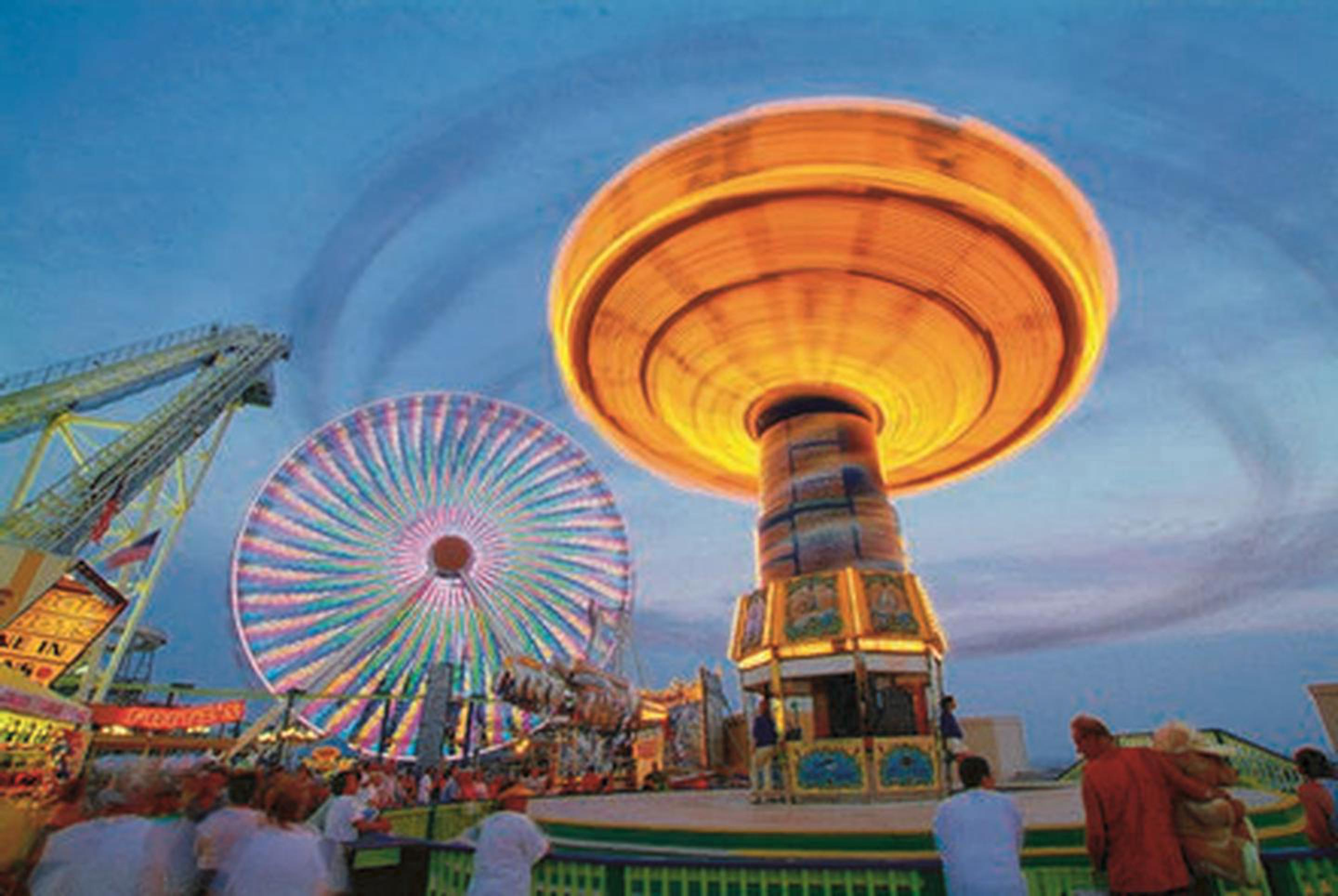 Explore WildwoodHome to a world-famous beach, All-American boardwalk and a fun-for-all-ages amusement park.