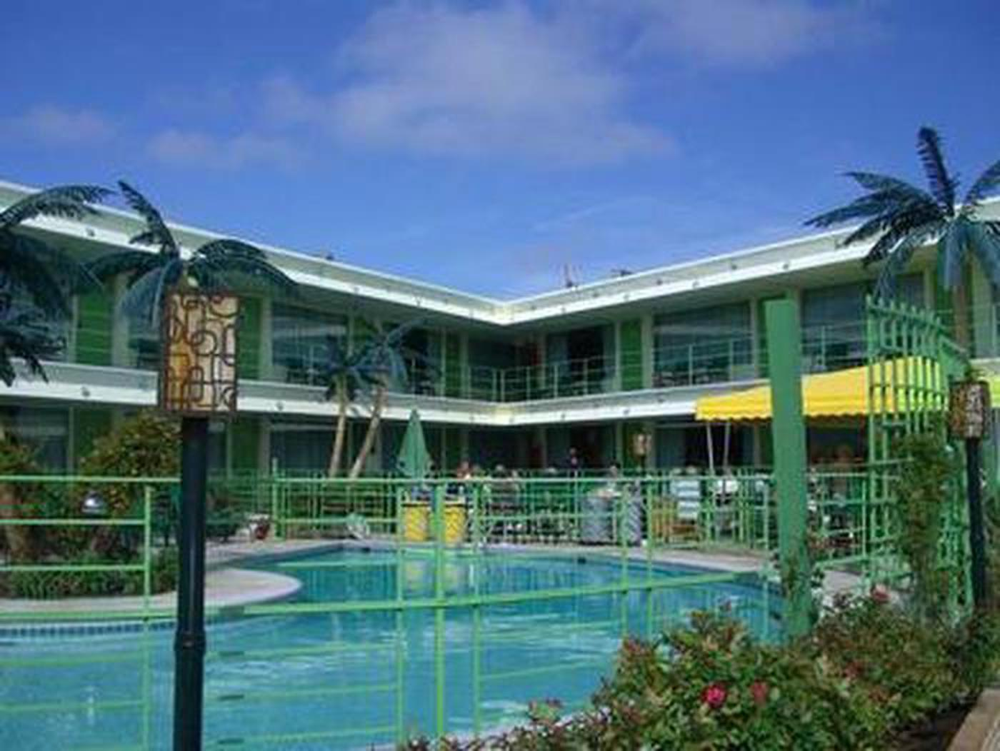 Many Activities & EventsThe landmark Caribbean Motel treats guests to nine special event weekends each season from the opening weekend at the end of April to the closing weekend in mid-October. All special event weekends include on-site meals, libations, and live entertainment for no additional charge.
