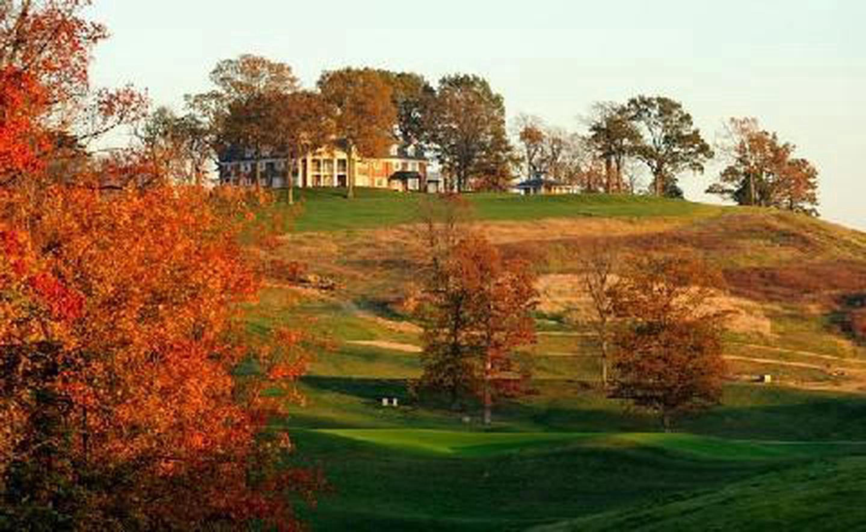 World Class GolfOne of the most popular features at this Historic Hotels of America hotel is the 18-hole championship Donald Ross Golf Course.