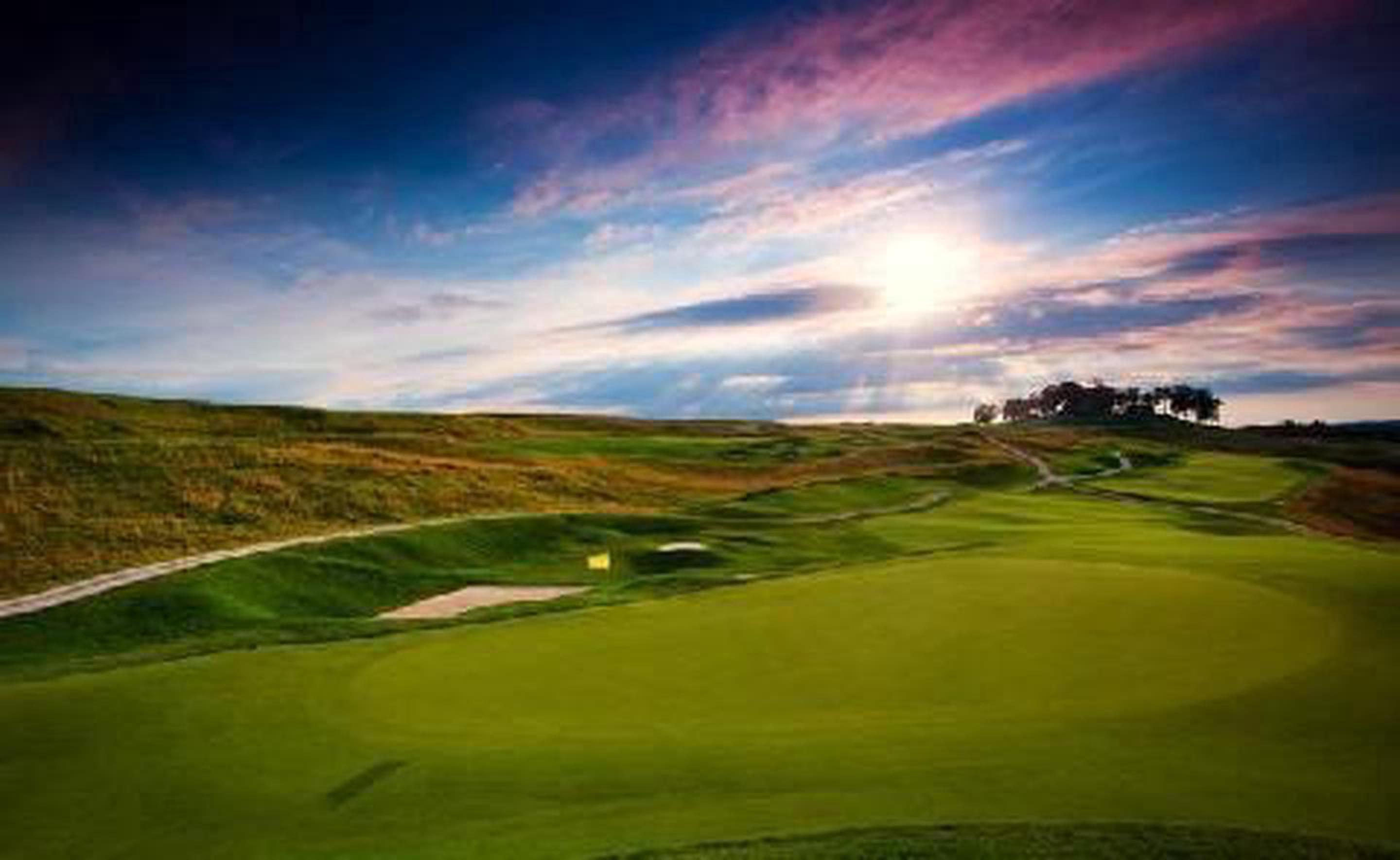 Donald Ross Golf CourseThis prolific Scot architect designed over 400 courses over the length of his 48 year career.
