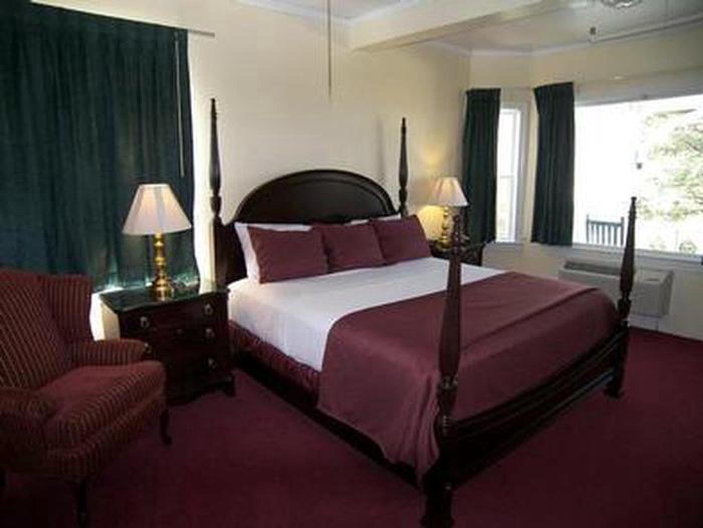 Rich DetailThe 53 guestrooms and suites at this Historic Hotels of America feature rich decorations including crown moldings and original heart pine wood floors.