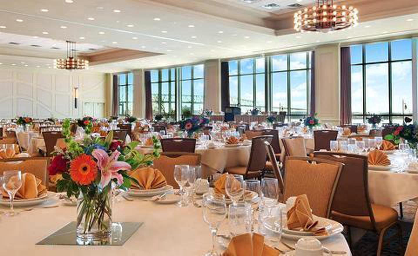 Riverview BallroomThe Riverview Ballroom is one of several meeting spaces available. Spaces can accommodate up to 800 guests.