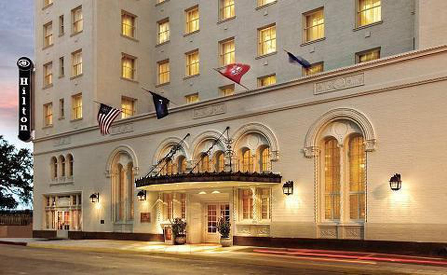 Surrounded by Baton RougeWith convenient shuttles to area casinos and airports, as well as walking distance to the Shaw Center and the River Center Convention Center, the hotel's location is perfect for everyone.