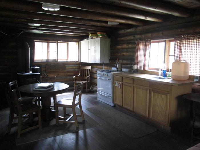 Kitchen 2Stolle Cabin