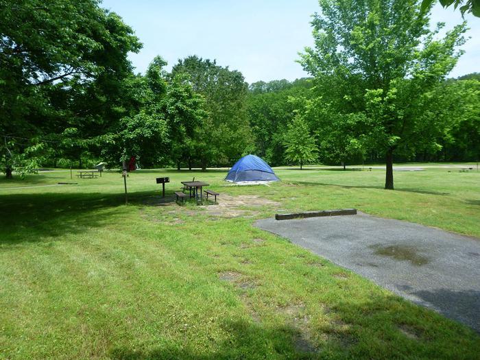 Tyler Bend Main Loop Site 25-1Site #25, 67' back-in, tent pad 15' x 15'.