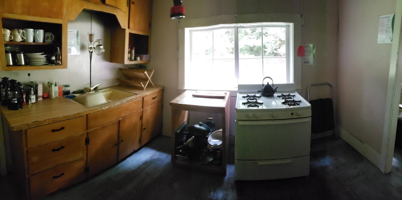 Interrorem Cabin kitchen