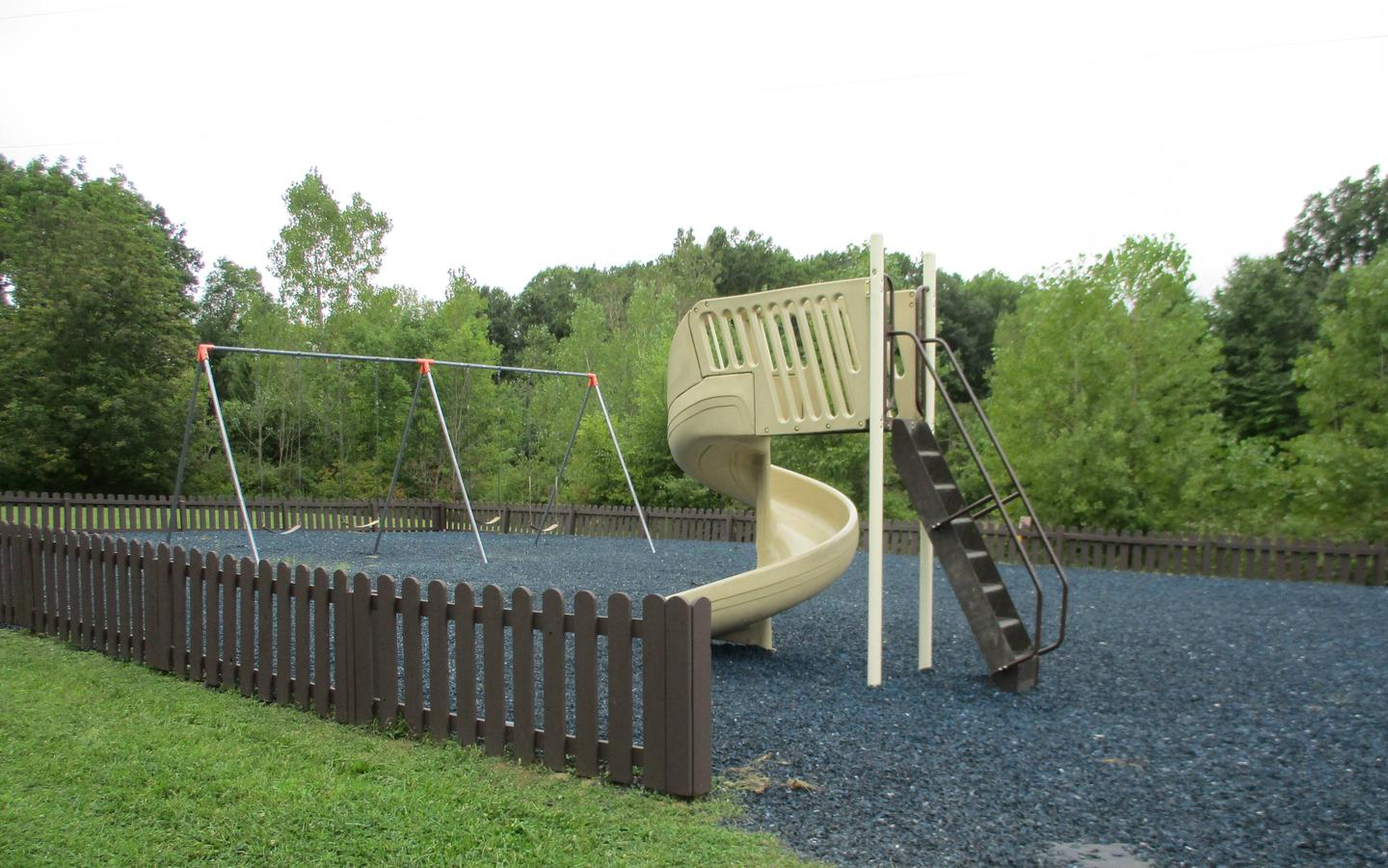 Maplewood Loop Play Area