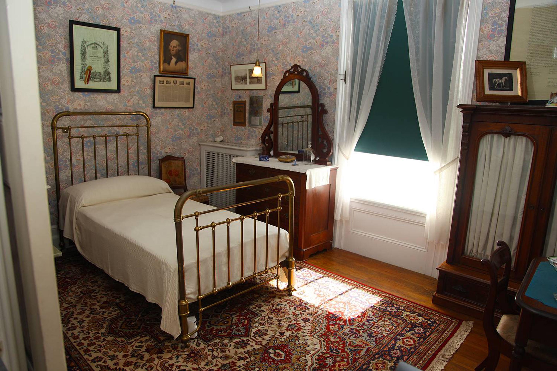FDR's boyhood room
