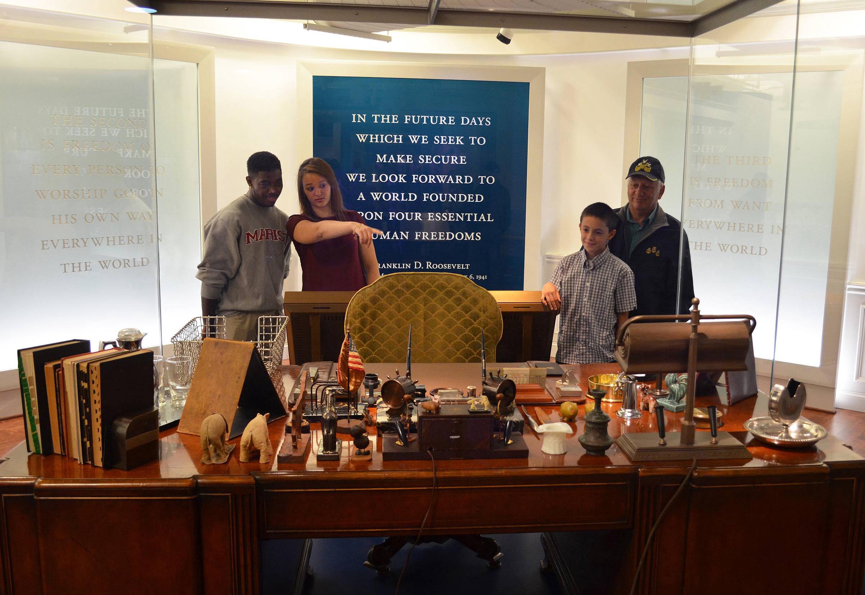 FDR's Desk - FDR Museum