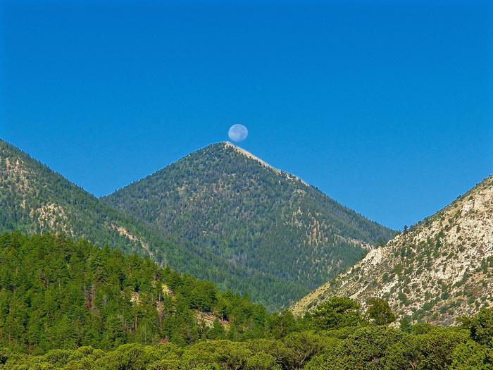 Preview photo of Mount Princeton