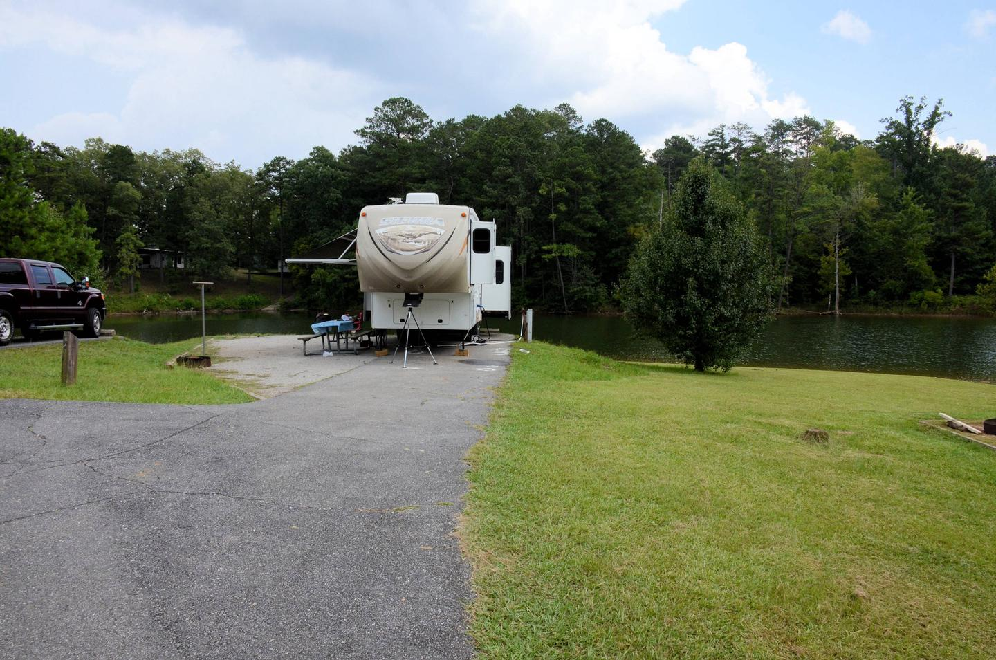 Driveway slope, awning-side clearance, utilities-side clearance.Payne Campground, campsite 10.