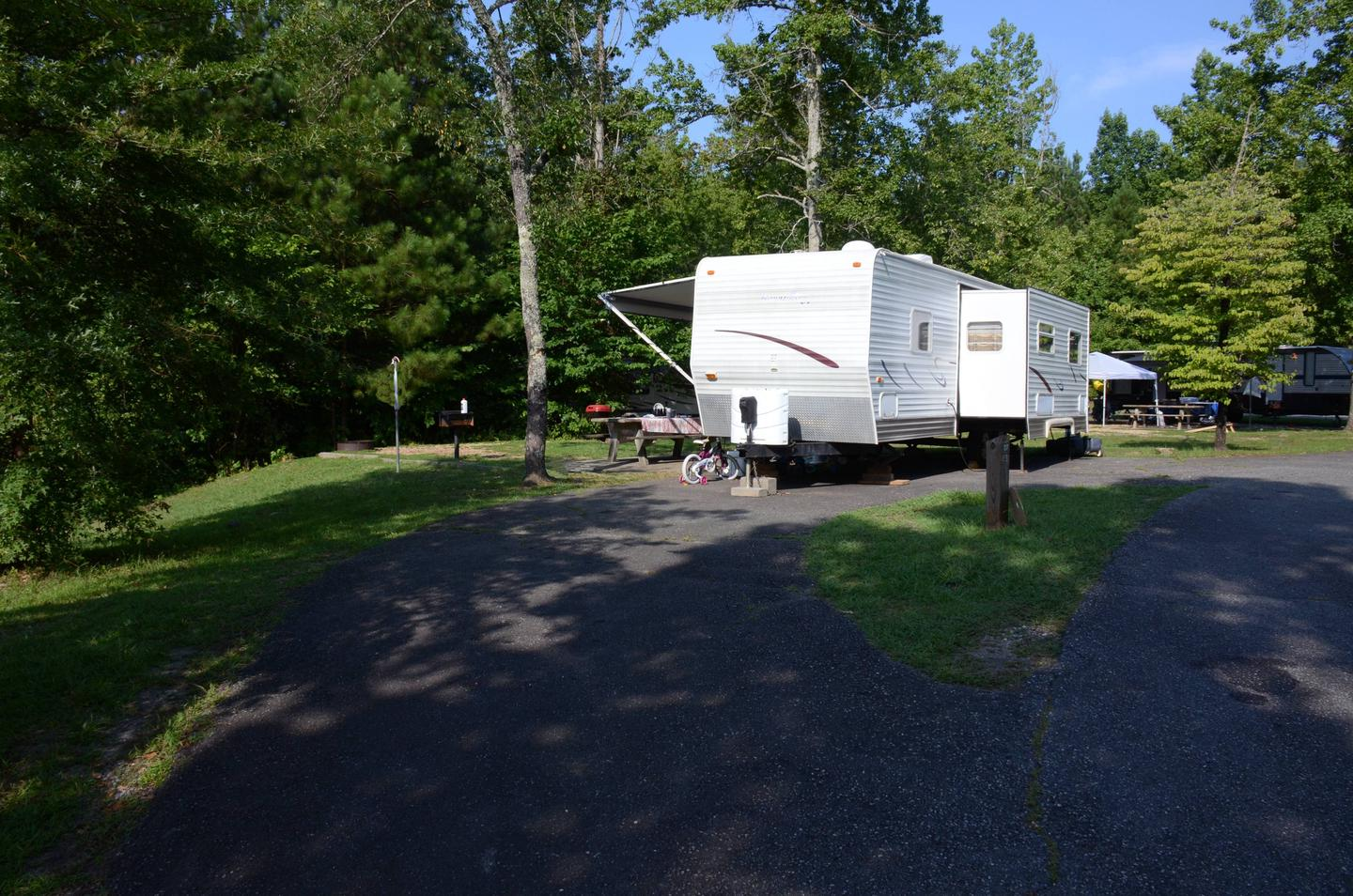 Driveway slope, awning-side clearance.Payne Campground, campsite 27.