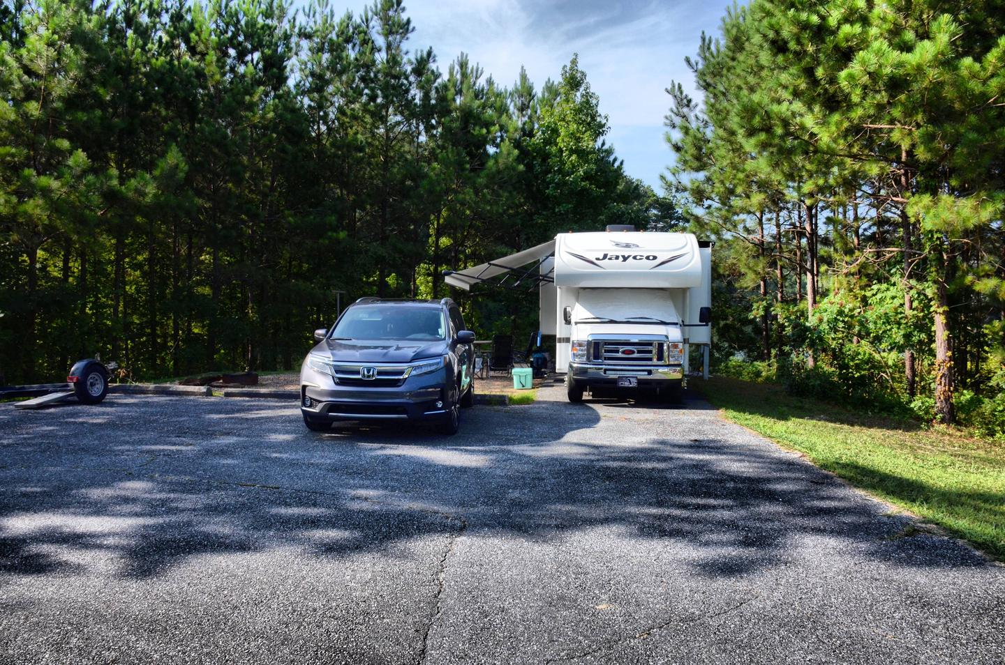 Parking, driveway slope, awning-side clearance.Payne Campground, campsite 34.