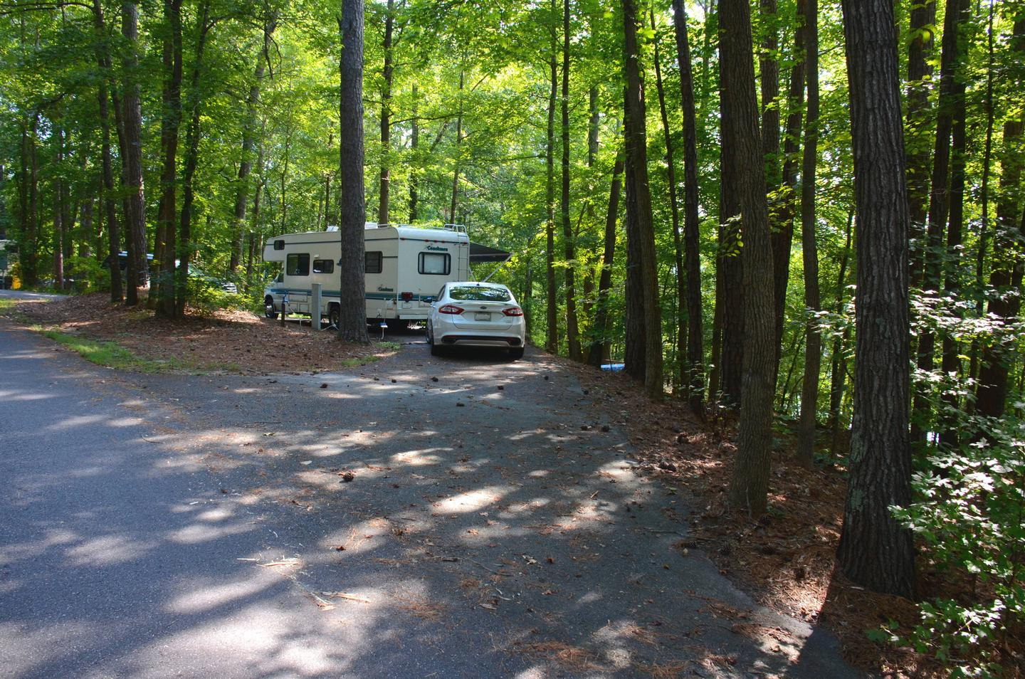Pull-thru entrance, utilities clearance.Payne Campground, campsite 40.