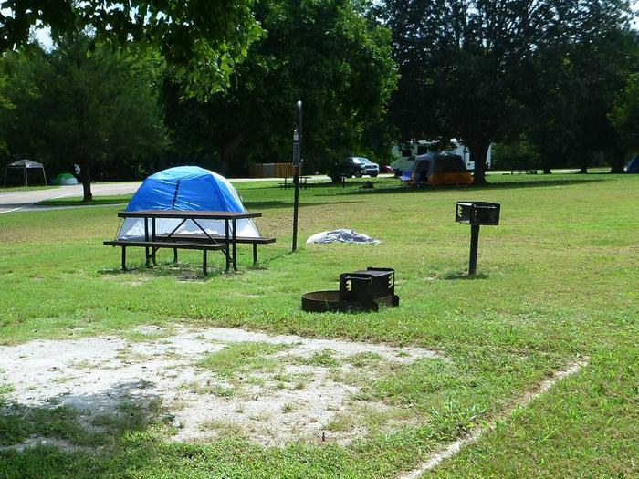 Tyler Bend Main Loop Site# 8 Site# 8, 35' back-in, tent pad 15' x 15'.  Parking area is wide enough to parking Rv & car side by side.