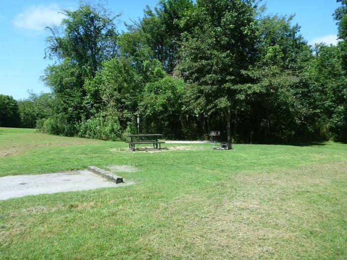 Tyler Bend Main Loop Site# 17-2Site #17, 65' back-in, tent pad 15' x 15'.
