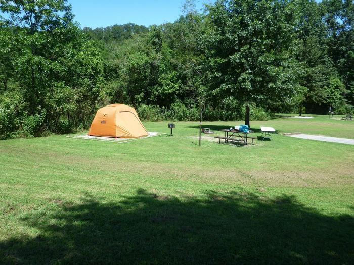 "Tyler Bend Main Loop Site #18-3Site #18, 75"" back-in, tent pad 15' x 15'."