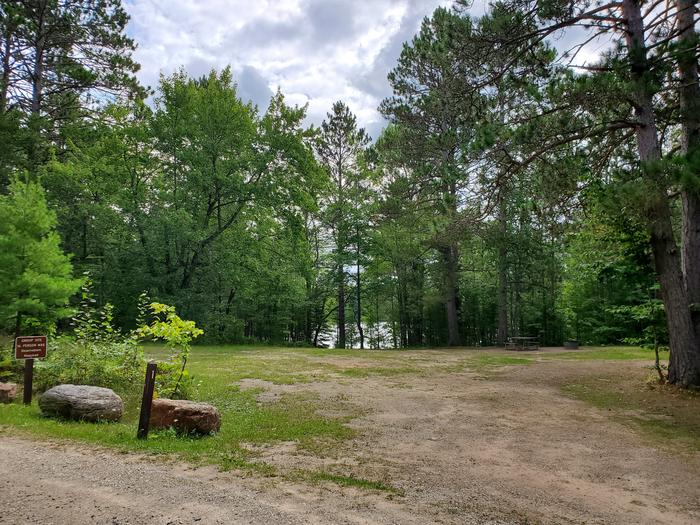 Island Lake site #01 full campsite view