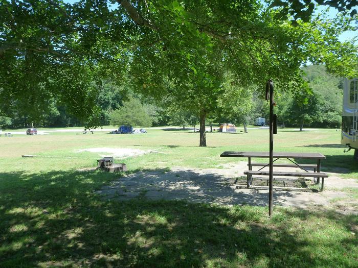 Tyler Bend Main Loop Site 25-4Site #25, 67' back-in, tent pad 15' x 15'.