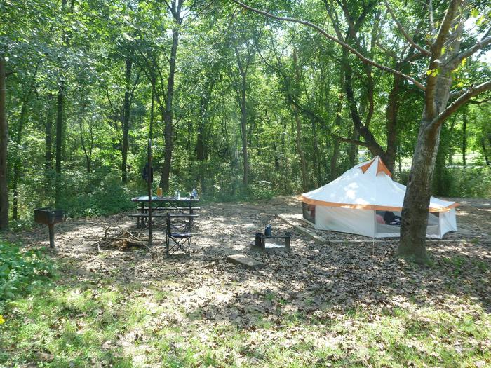 Tyler Bend Main Loop Site#9 Site#9, 54' back-in, tent pad 15' x'15'.