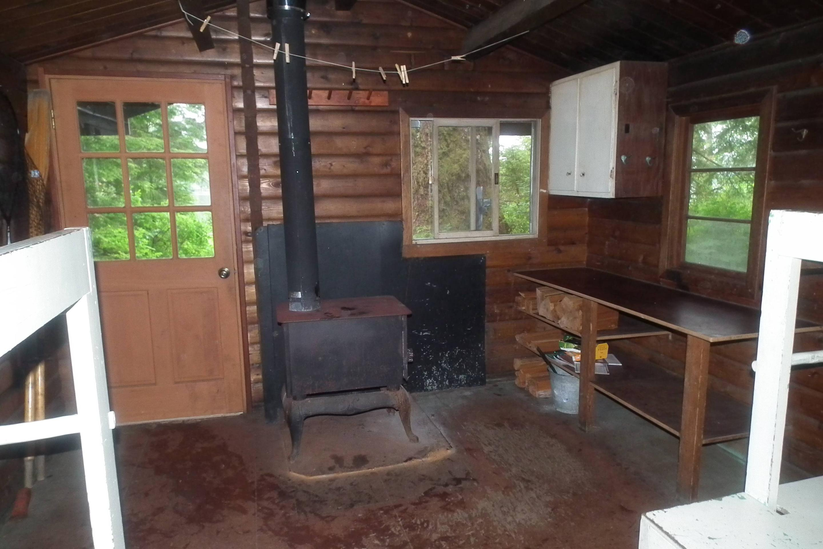 Kitchen, Entrance, and Stove
