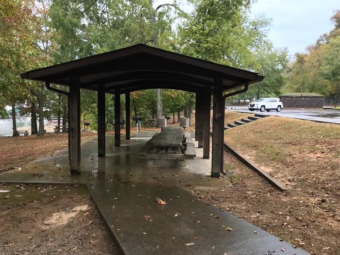 OBEY RIVER PARK SMALL SHELTER (S2) END VIEWOBEY RIVER PARK SMALL SHELTER (S2)