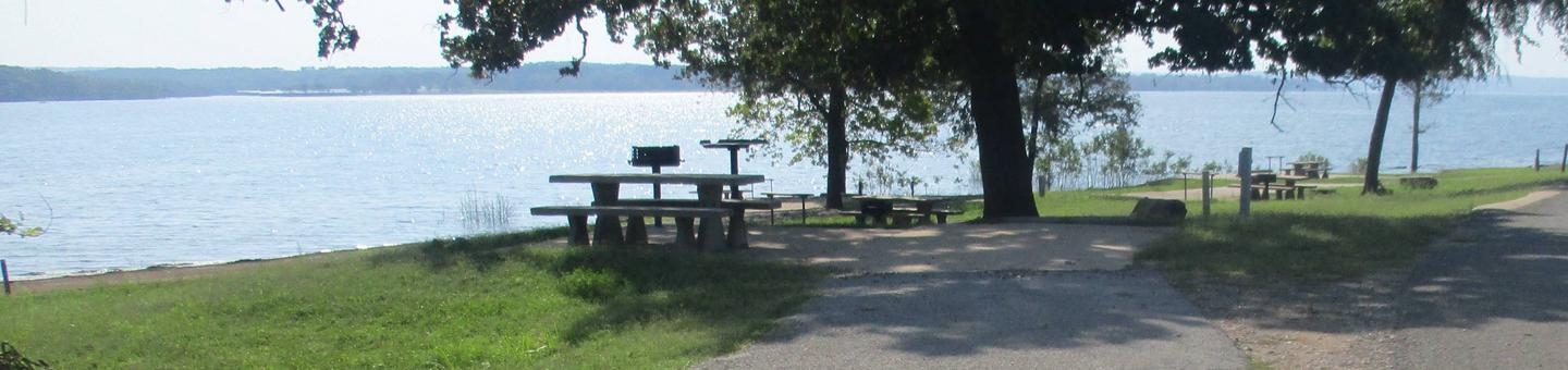 Site 33 - Taylor FerrySite 33 offers a great lake view with an asphalt drive and concrete parking pad.