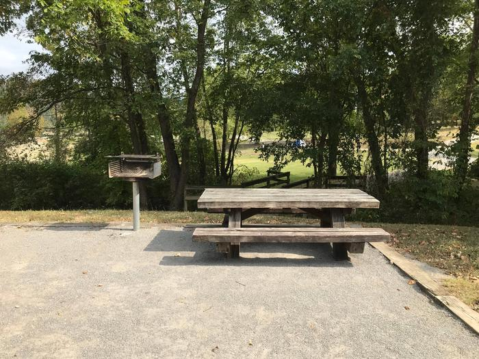 OBEY RIVER PARK SITE #67 TABLE AND PEDESTAL GRILLOBEY RIVER PARK SITE #67