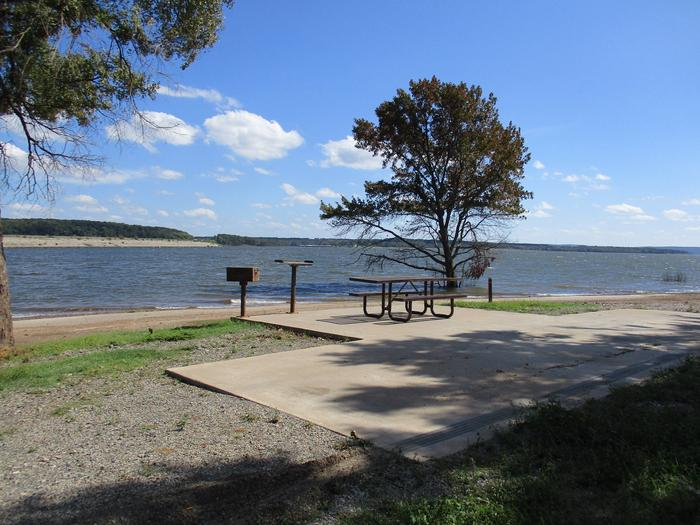 Site 44 Lake View - Taylor FerrySite 44 offers a metal picnic table, pedestal grill and utility table.  It offers a great lake view.
