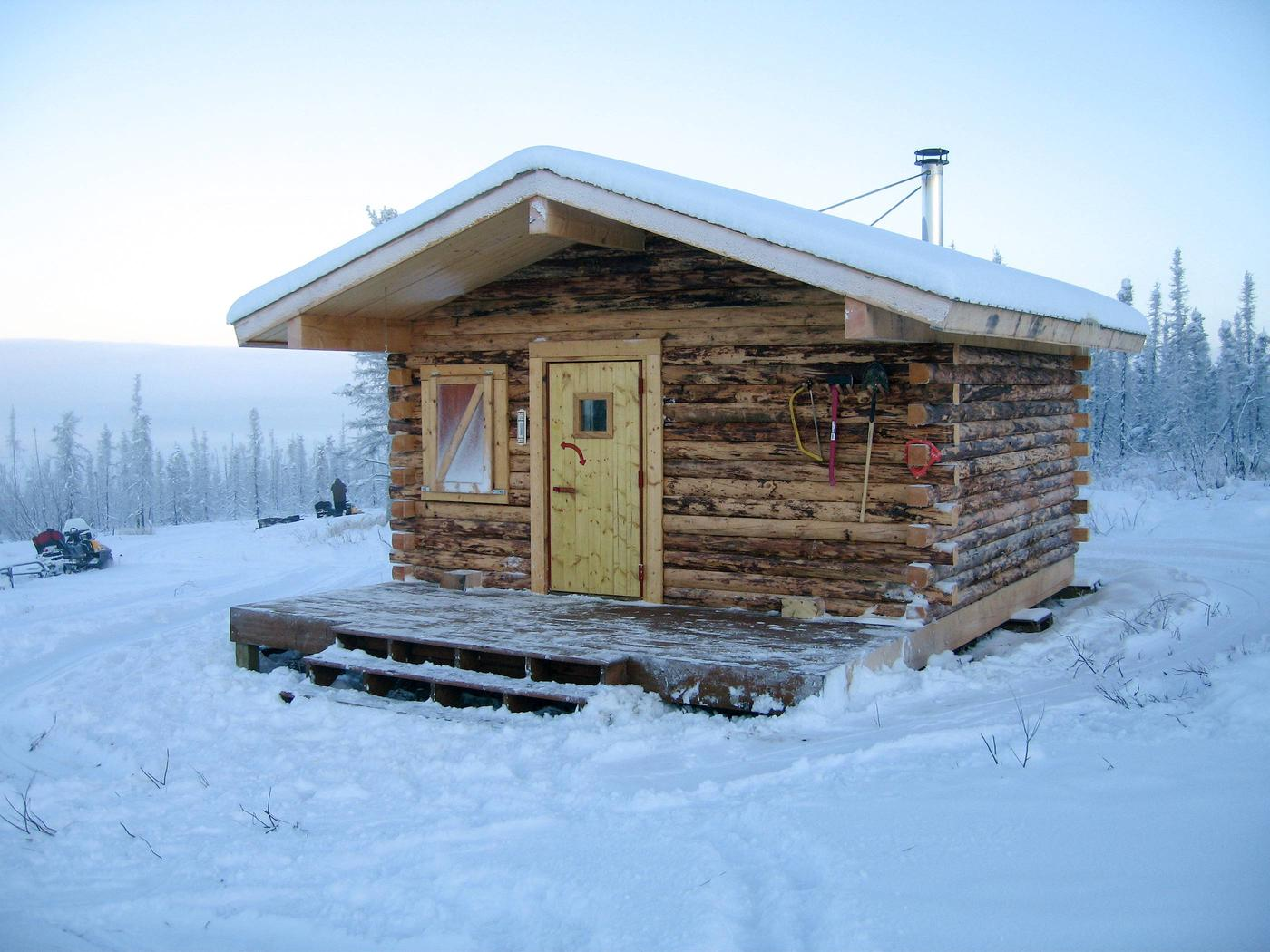Front view of log cabinFront of Crowberry Cabin