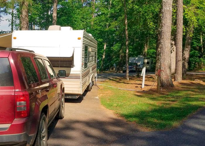 Pull-thru entrance, utilities clearance.Victoria Campground, campsite 16.  Pull thru.