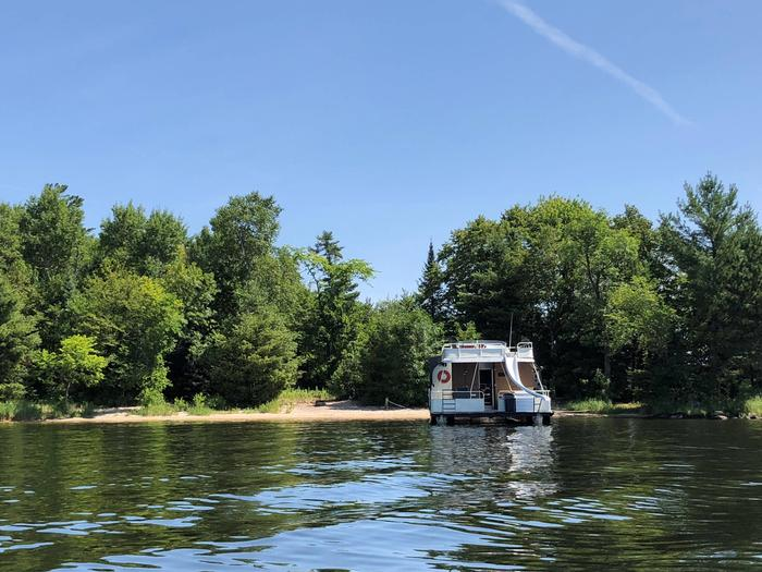 Blue Heron Point Houseboat SiteBlue Heron Point, Kabetogama Lake