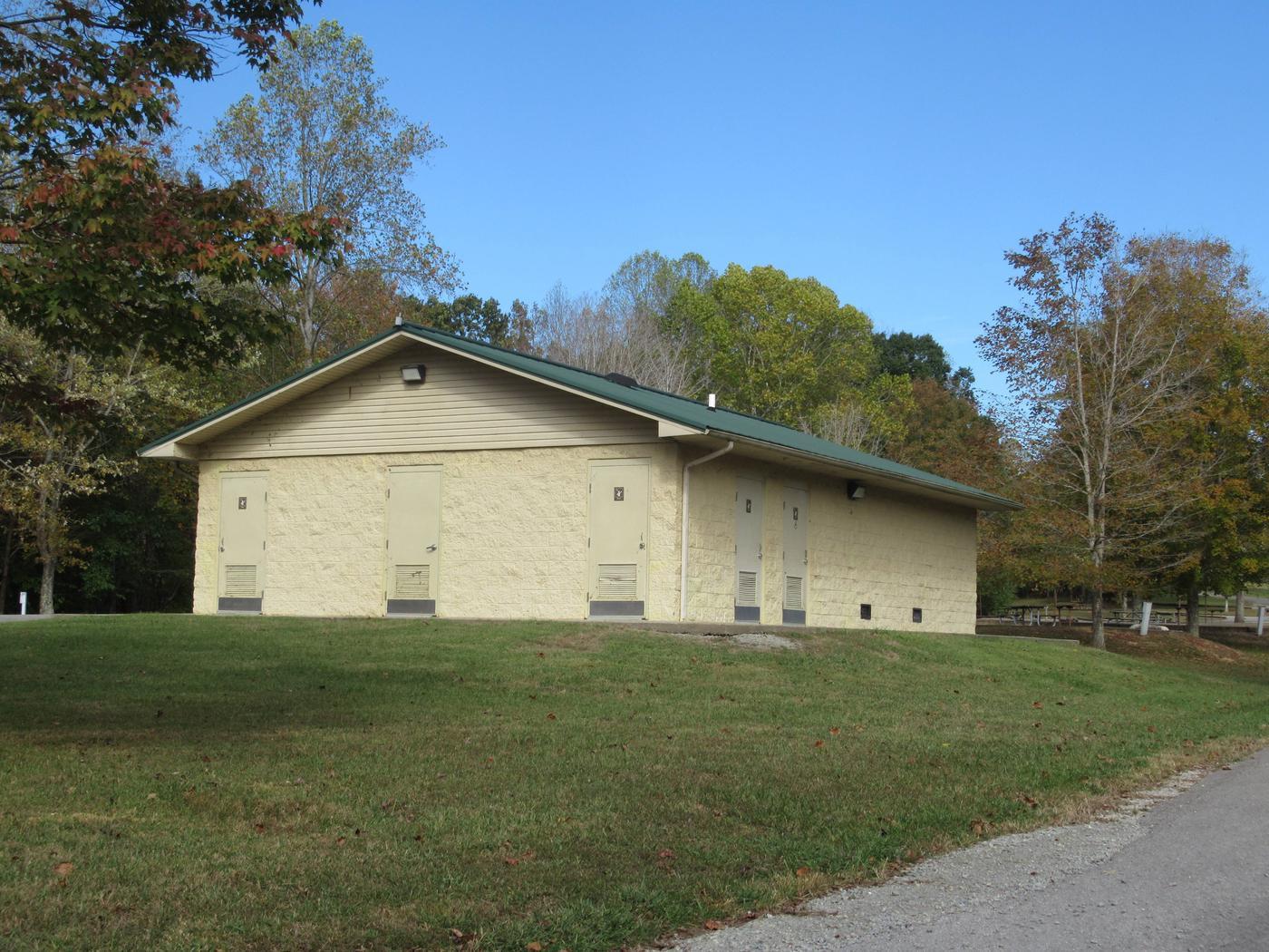 Smith Ridge Campground ShowerhouseShowerhouse located in B-Loop