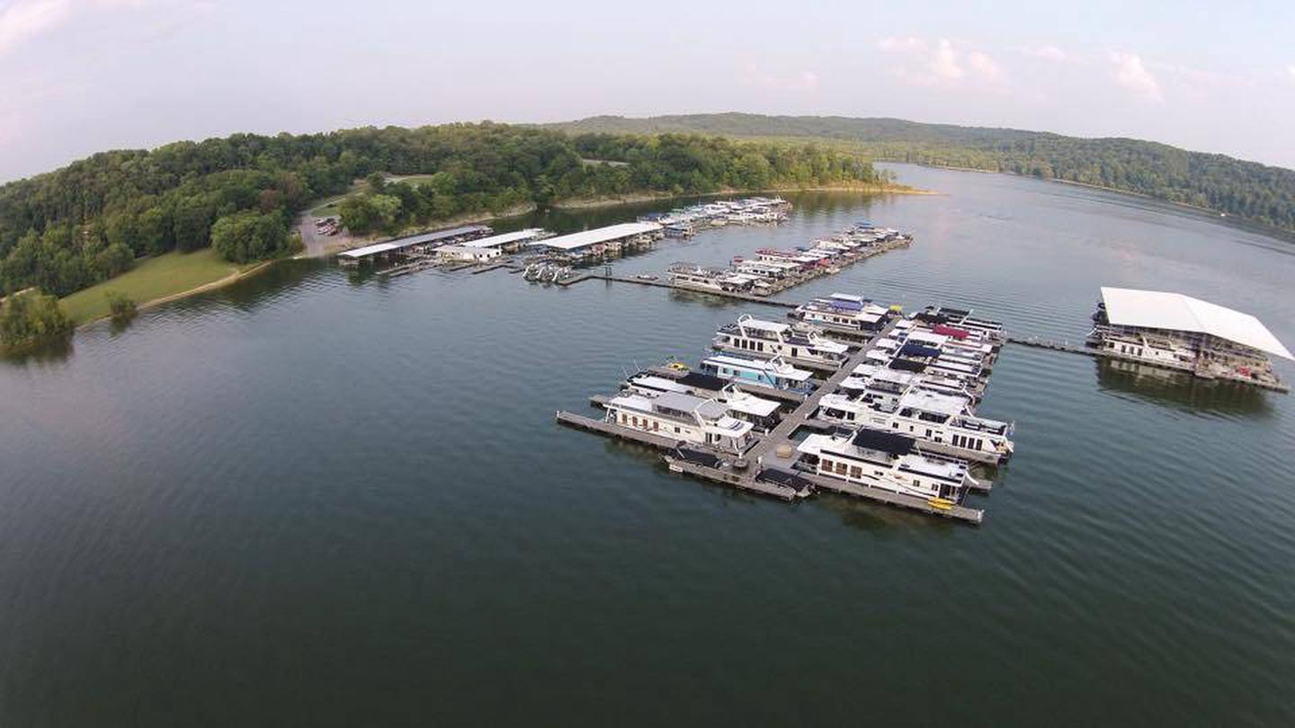 Emerald Isle MarinaEmerald Isle Marina located about 2 miles from the campground