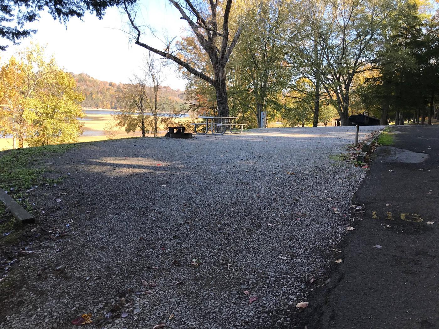 OBEY RIVER PARK SITE #116 PULL THRU ENTRANCEOBEY RIVER PARK SITE #116