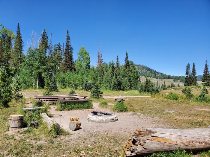 Lake Canyon Campground  -  Lake Canyon Group Site ALake Canyon Campground - Lake Canyon Group Site A