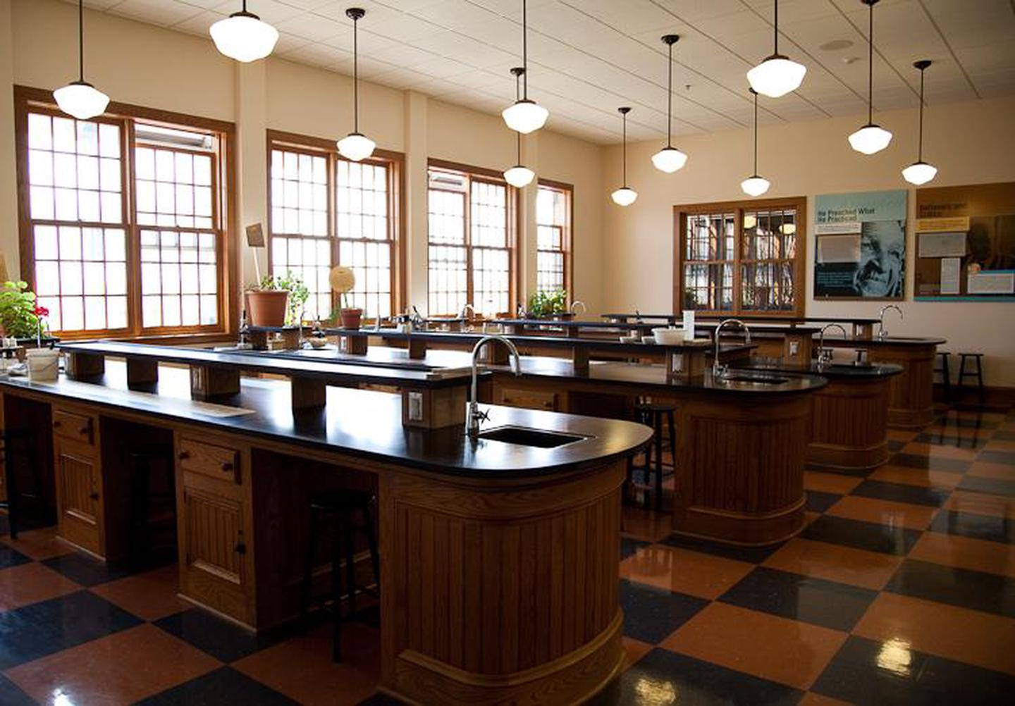 George Washington Carver NM Science ClassroomGeorge Washington Carver NM science classroom modeled after one of the George Washington Carver's lab at Tuskegee Institute.