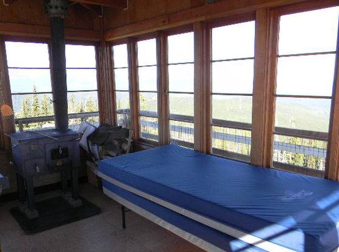 Garver Lookout-twin bedsGarver Lookout - twin beds
