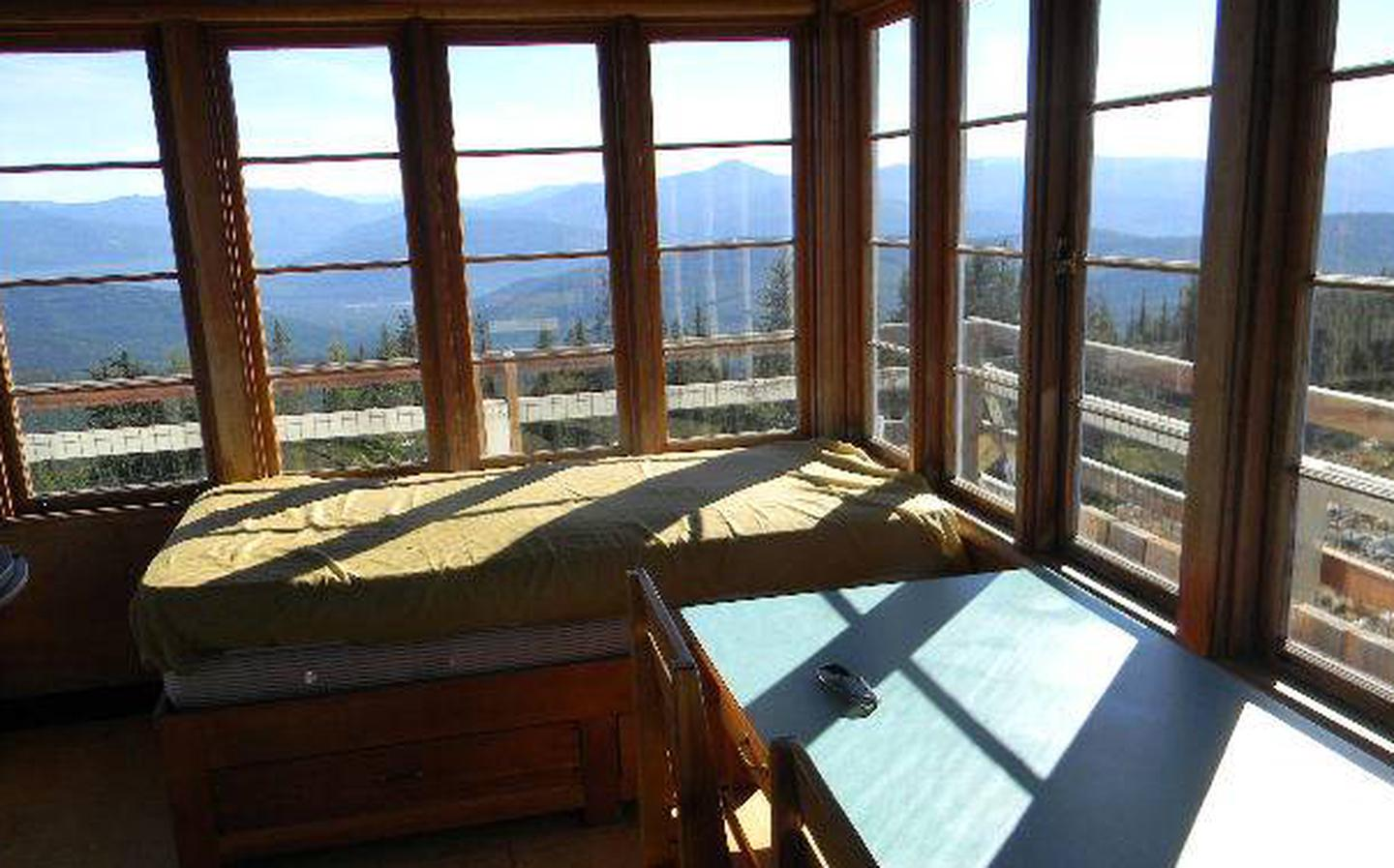 Garver Lookout - double bed and table
