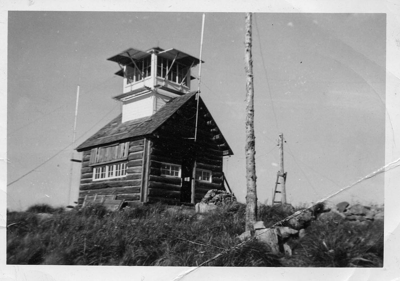 Original Mt. Baldy-Buckhorn Ridge Lookout in 1952
