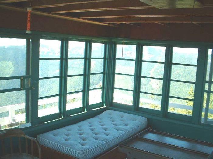 Twin BedGem Peak Lookout-twin bed