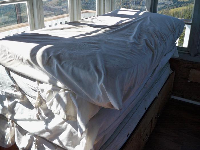 Webb Mountain-twin beds