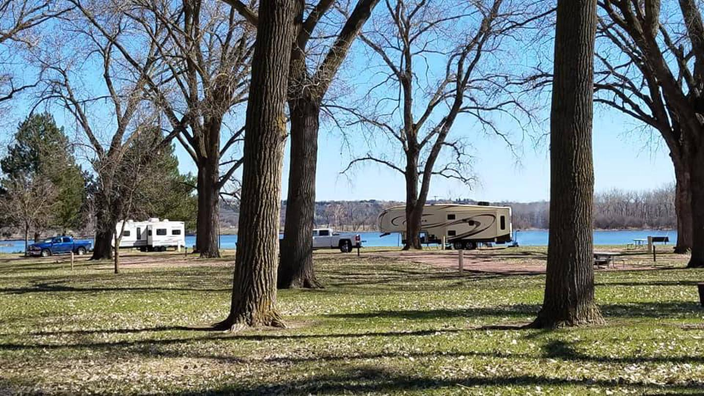 Cottonwood Campground and Lake Yankton in background.Cottonwood Campground with Lake Yankton in background.