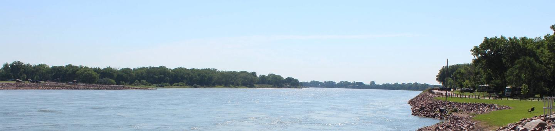 Missouri River boat ramp at Nebraska Tailwaters