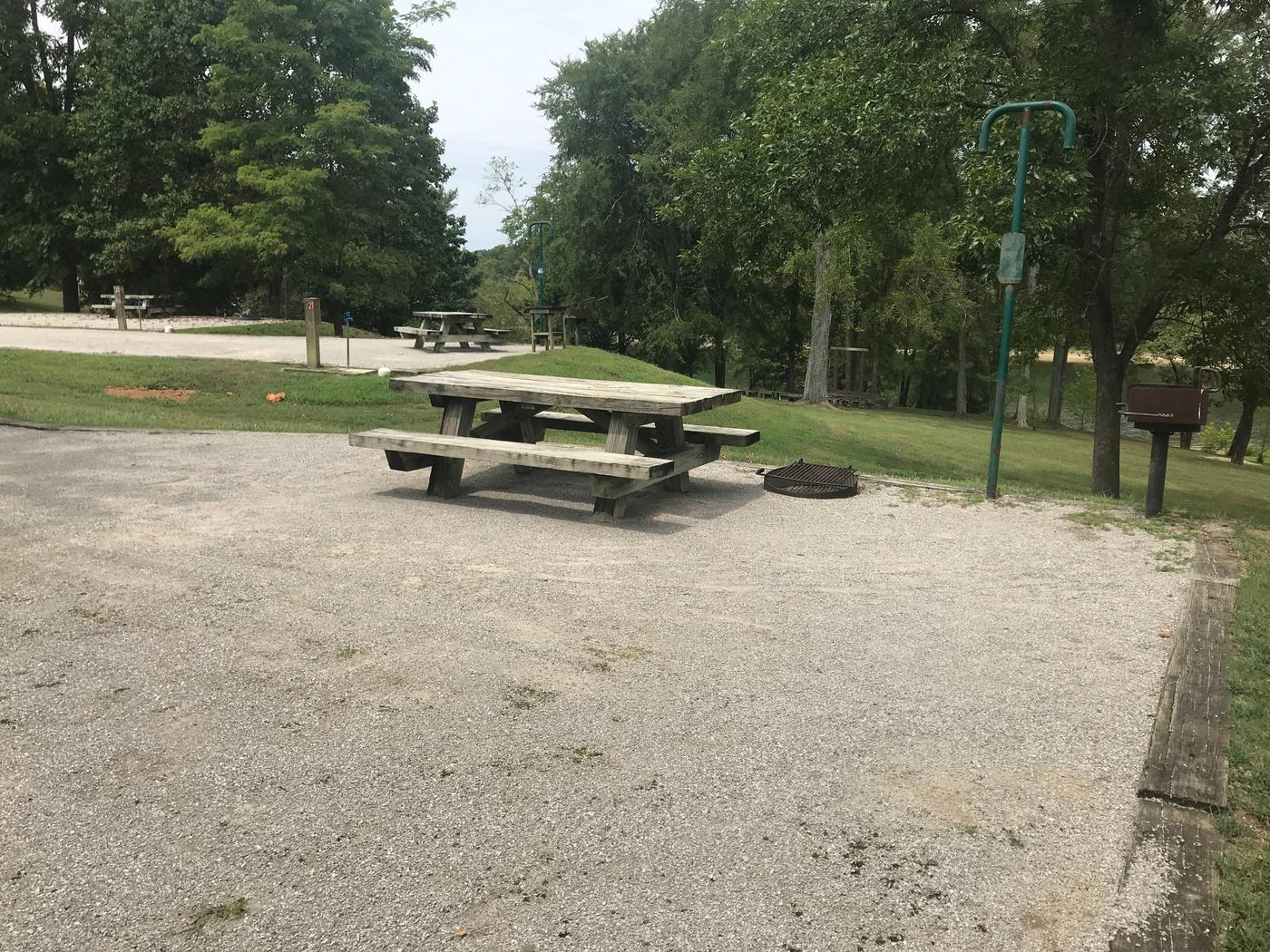 WILLOW GROVE CAMPGROUND SITE #19 TABLE AND GRAVEL PADWILLOW GROVE CAMPGROUND SITE #19